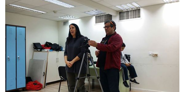 לימודים בהסדנה - לימודי משחק לבמה ומול מצלמה בהנהלת השחקן אייל רוזלס